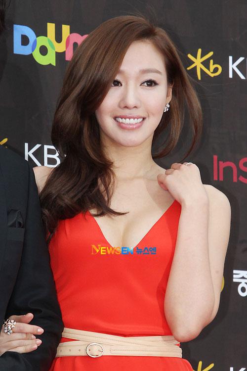 kim-ah-joong-bi-nghi-ngo-dao-keo-7