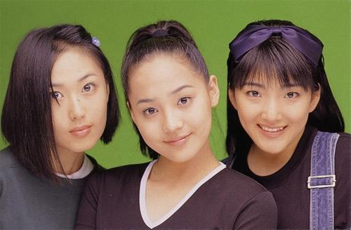 SES thành lập từ năm 1997 với ba thành viên. Chỉ trong một thời gian ngắn, ba cô gái đã chinh phục trái tim của khán giả Hàn Quốc