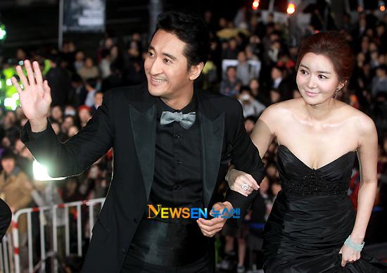 Hai MC của chương trình, nam diễn viên ang_seo_hee_shin_hyeon_joon