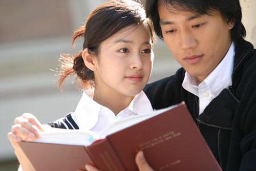 nhung-my-nam-tung-ben-canh-kim-tae-hee-3