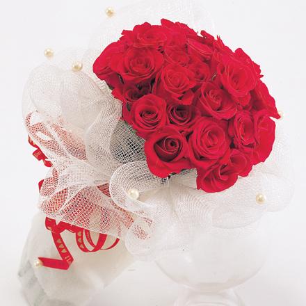 mua gi tang ban gai ngay valentine
