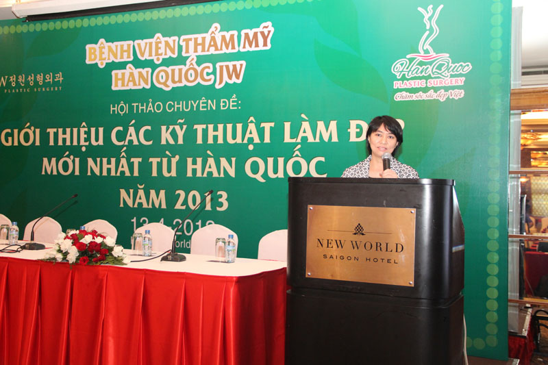 vien-truong-benh-vien-jw-han-quoc-trao-chung-nhan-thuong-hieu-tham-my-han-quoc-jw-chinh-thuc-duy-nhat-tai-viet-nam
