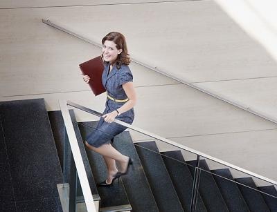 Cách giảm mỡ bụng cho nhân viên văn phòng