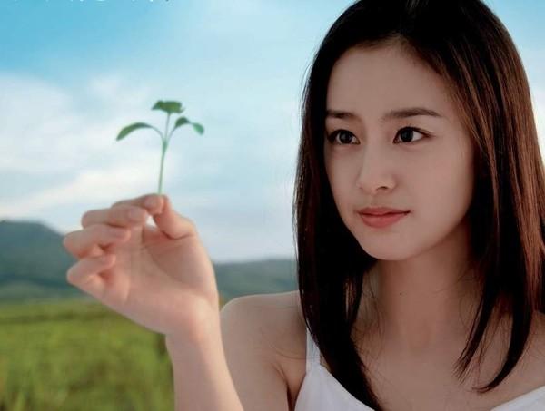 fan-nghi-ngo-kim-tae-hee-va-bi-rain-ruc-rich-cuoi-nhau-4