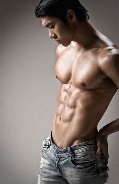 Đặt túi ngực cho nam giới
