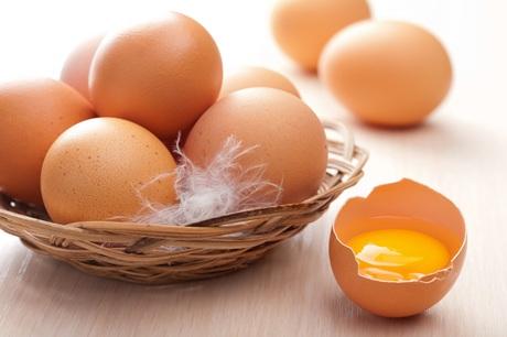 Những cách làm đẹp đơn giản từ trứng gà