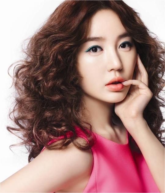 Yoon Eun hye phẫu thuật thẩm mỹ