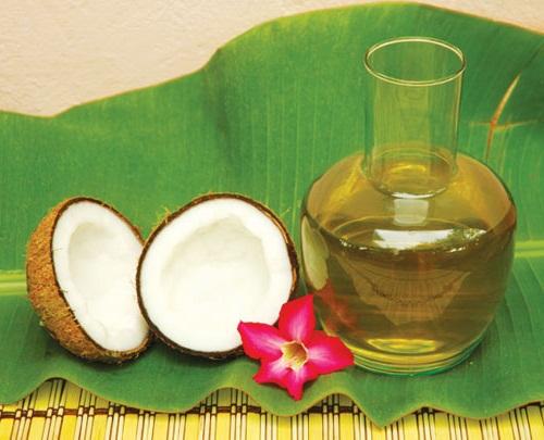 Mẹo trị mụn đầu đen với dầu dừa