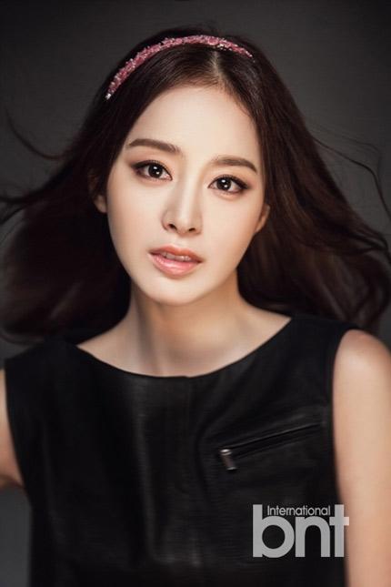 Ngỡ ngàng với bằng chứng Kim Tae Hee phẫu thuật thẩm mỹ