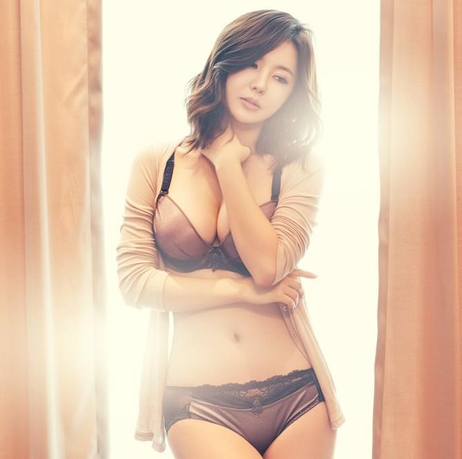 Nâng ngực bằng ánh sáng