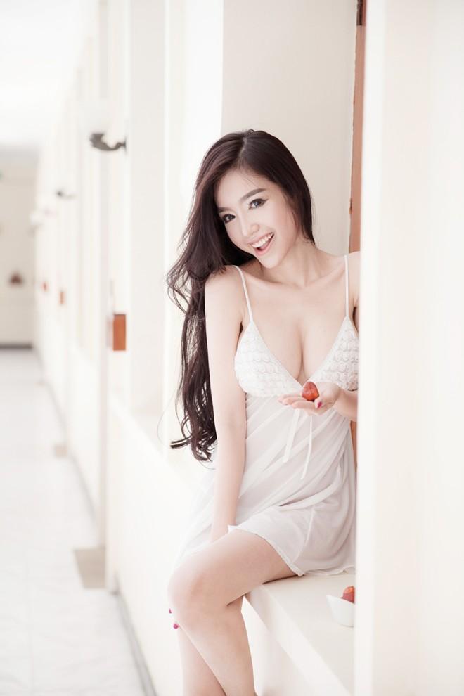 Những cô nàng ngực đẹp nhất Việt Nam