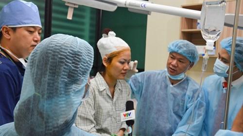Đổi đời nhờ phẫu thuật thẩm mỹ - Bác sĩ thẩm mỹ
