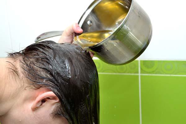 """Bí quyết dưỡng tóc """"không tưởng"""" từ lá ổi"""