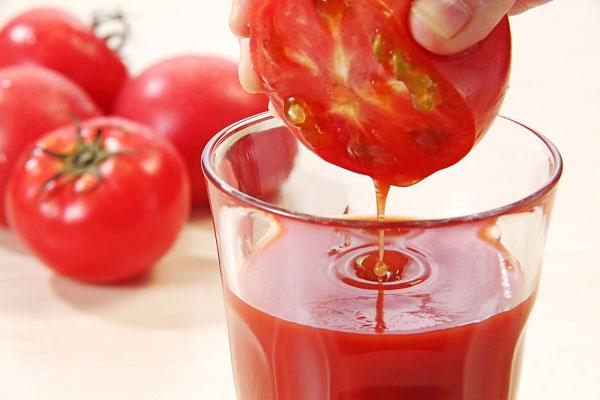 Khám phá bí quyết làm đẹp từ quả cà chua