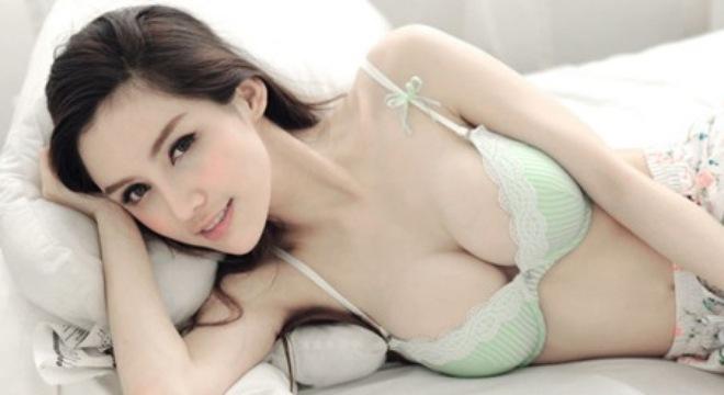 Nâng ngực nội soi 3D