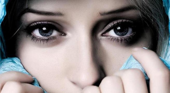 Điểm danh những thói xấu gây hại cho mắt