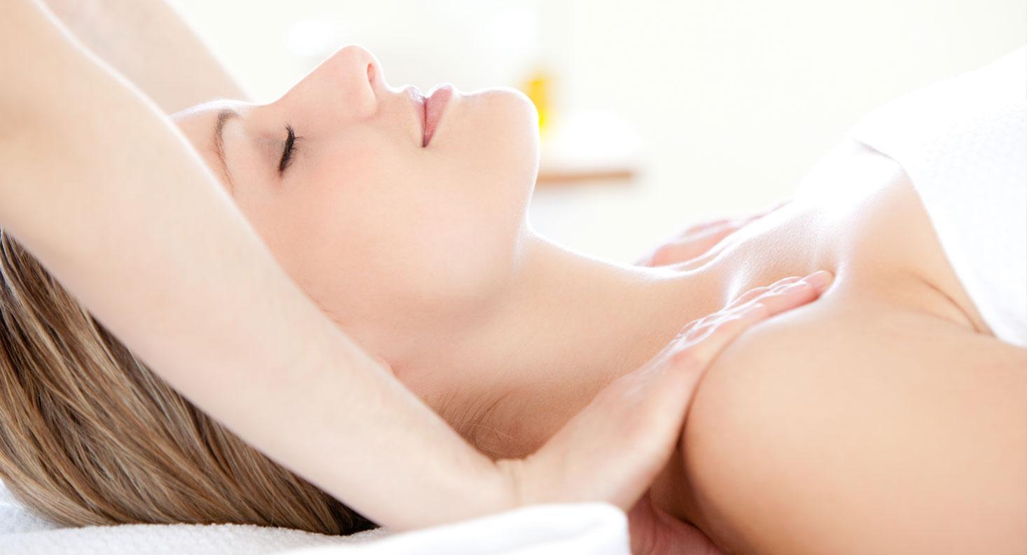 Massage sau phẫu thuật nâng ngực