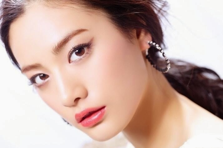 Sao Hàn phẫu thuật thẩm mỹ mắt