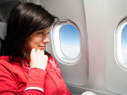 Nâng ngực không nên đi máy bay