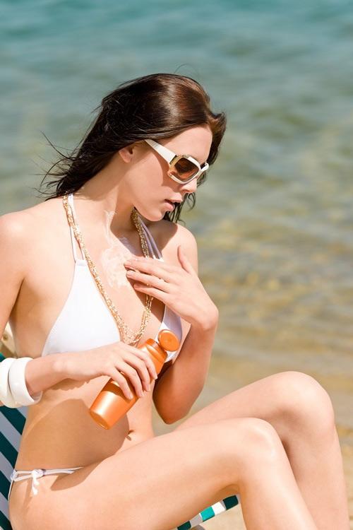Bí quyết chăm sóc da ngực đúng cách