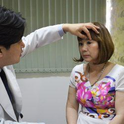 Khách hàng 3 lần phẫu thuật mắt hỏng và mối lương duyên với JW