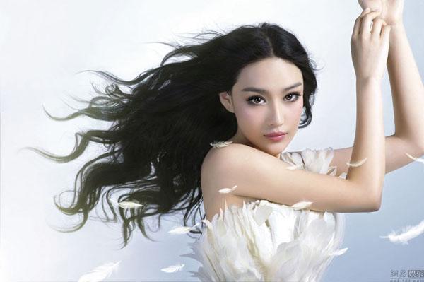 Cơn lốc phẫu thuật thẩm mỹ của những người mẫu Trung Quốc