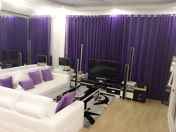 Phòng khách màu tím trong căn nhà sang của Ngọc Trinh