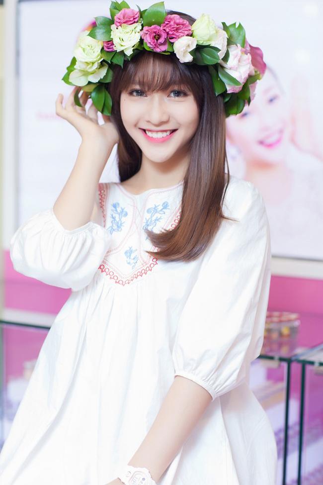 Mũi đẹp tự nhiên đáng mơ ước của sao nữ Việt