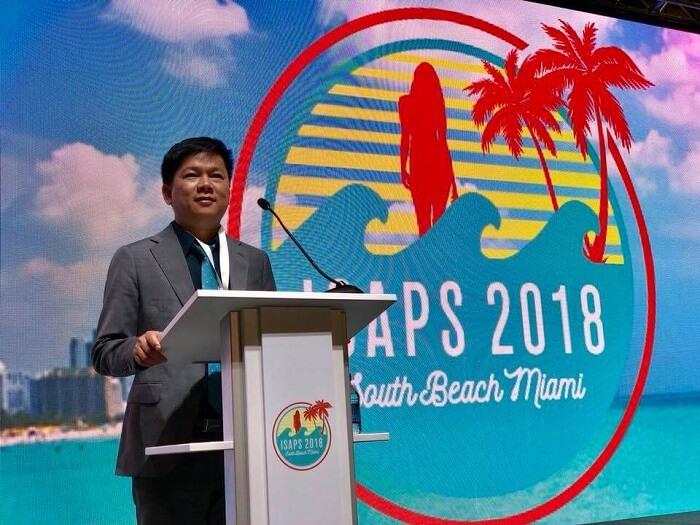 TS.BS Nguyễn Phan Tú Dung báo cáo tại đại hội Isaps Miami 2018