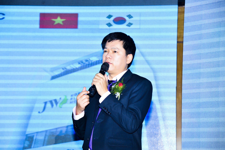 toan-canh-le-ky-niem-15-nam-khang-dinh-thuong-hieu-jw-40