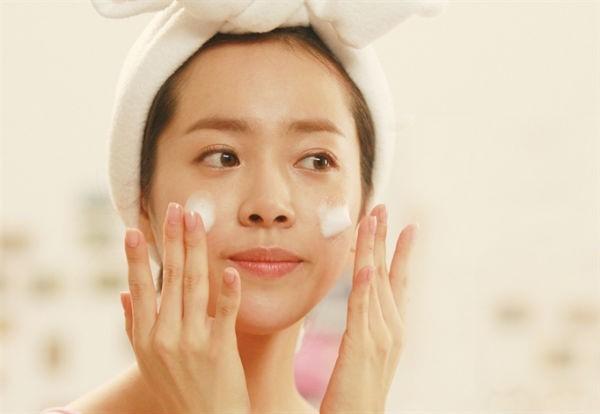 Bật mí 3 bí quyết chăm sóc da của phụ nữ Hàn Quốc