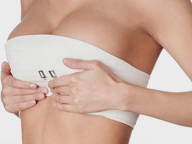 Chọn nâng ngực size 300 phù hợp vóc dáng cho phụ nữ có vòng 1 đẹp