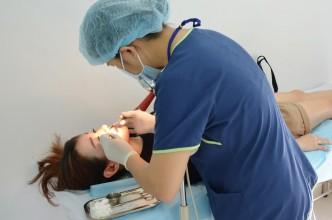 Điều dưỡng JW chăm sóc vết thương sau nâng mũi