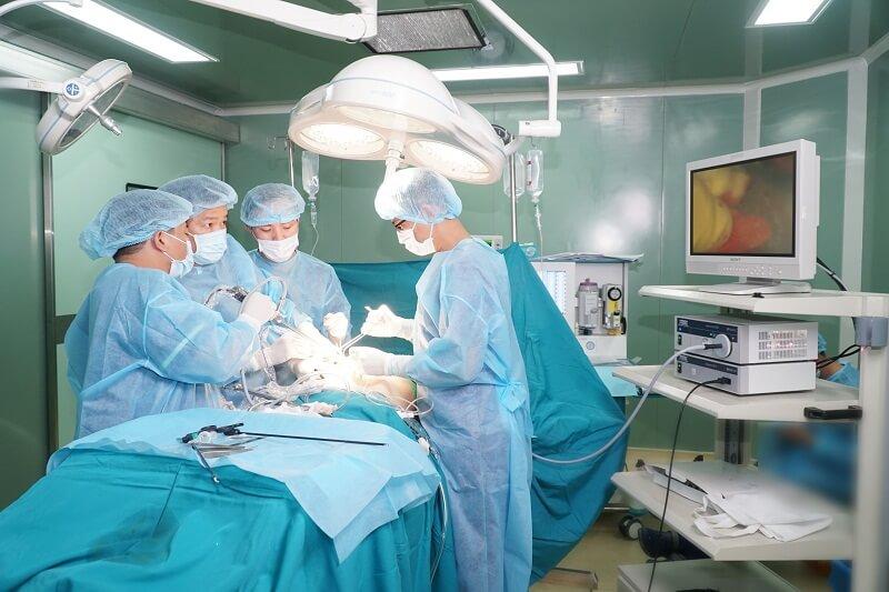 Phẫu thuật nâng ngực túi giọt nước Demi