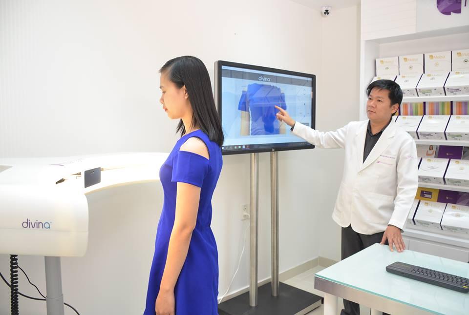 Hệ thống máy 3D Divina cho kết quả chính xác hơn 90% giúp khách hàng dễ dàng lựa chọn size túi ngực phù hợp hơn