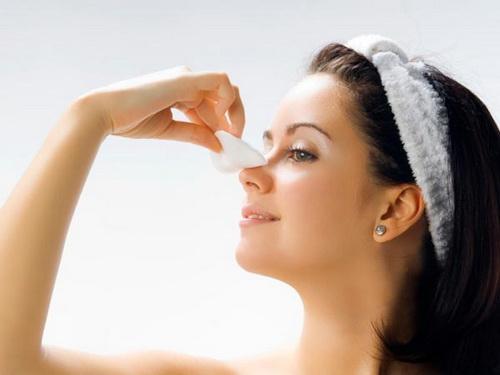 Những cách làm giảm sưng sau nâng mũi hiệu quả nhất