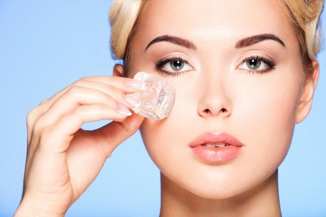 Lấy mỡ mí mắt có nguy hiểm không? Có đau nhiều hay không - hình 4