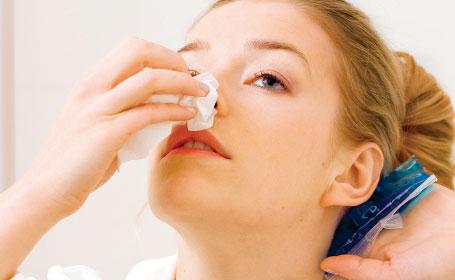 Nhận biết các dấu hiệu nhiễm trùng sau khi nâng mũi và cách điều trị - Ảnh 3