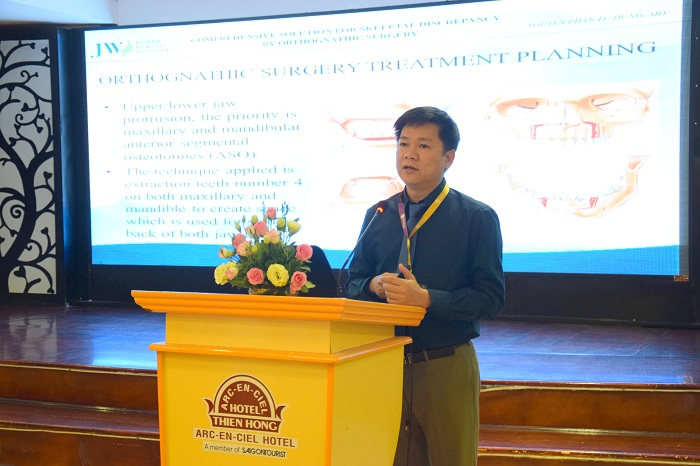 TS.BS Nguyễn Phan Tú Dung báo cáo kinh nghiệm phẫu thuật hơn 1000 ca hàm mặt phức tạp tại hội thảo ISAP