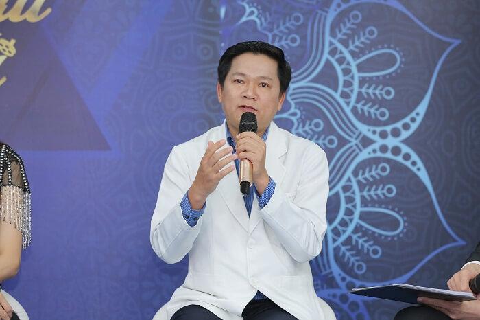 """Hương Giang đồng cảm với nhiều thí sinh """"Nhan sắc mới - Khởi đầu mới"""""""
