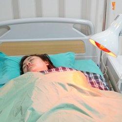 Một phụ nữ suýt hỏng ngực vì bơm cả lít hoá chất lạ