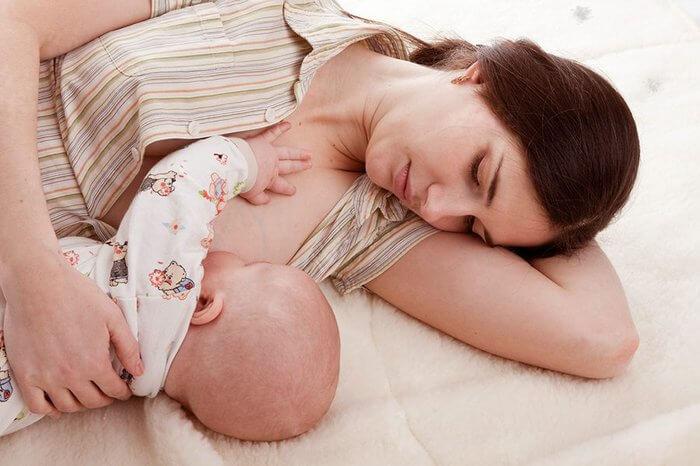 Ngực chảy xệ sau sinh phải làm sao?_5