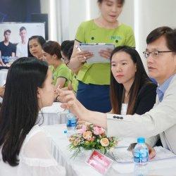 Phóng sự ảnh: 2 ngày làm việc của TS.BS Man Koon Suh tại JW Việt Nam