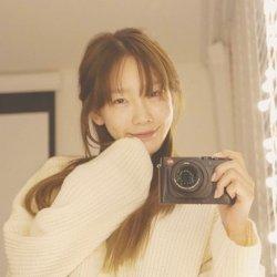 Kpop 360: Taeyeon khoe mặt mộc, Hechul nghịch đồ ăn