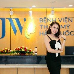 Diễn viên Hồ Bích Trâm tư vấn nâng ngực tại JW