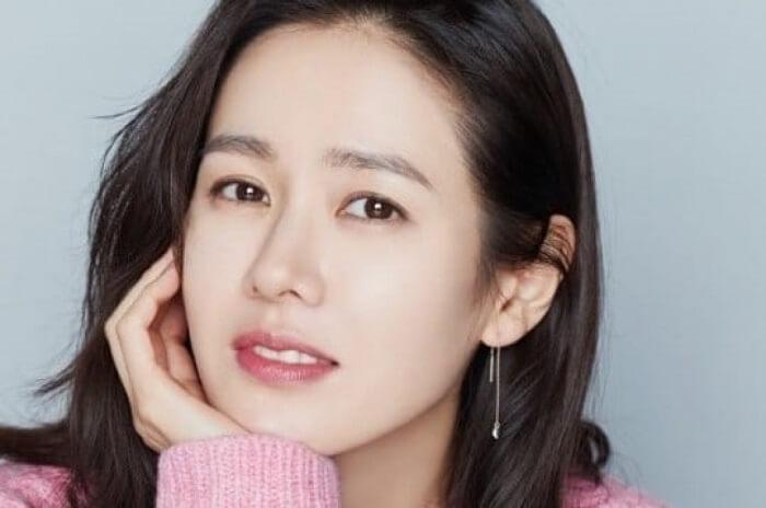 Học chị đẹp Son Ye Jin cách chăm sóc da không tì vết-hình 5