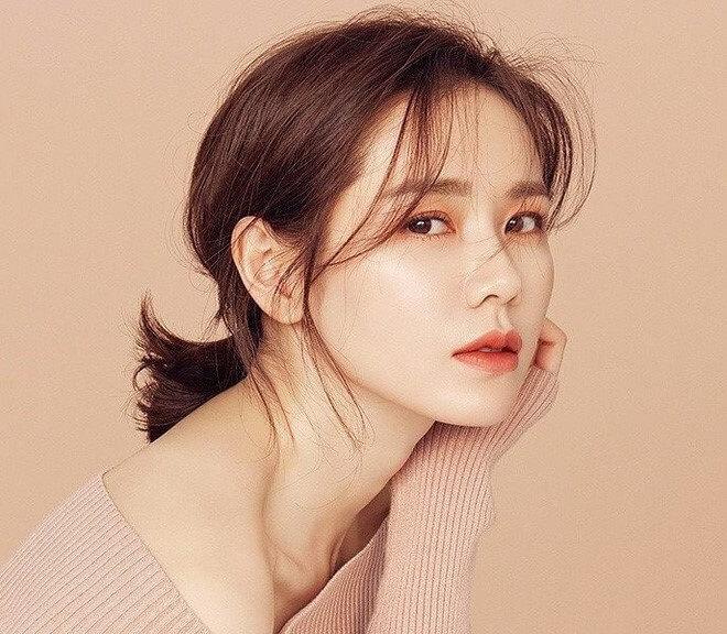 Học chị đẹp Son Ye Jin cách chăm sóc da không tì vết-hình 3