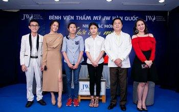 Phạm Quỳnh Anh tặng 100 triệu cho hai thí sinh