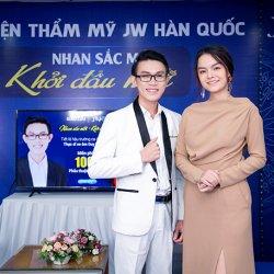 Ca sĩ Phạm Quỳnh Anh bày tỏ sự ái mộ Thạc sĩ xe ôm trên sóng trực tiếp