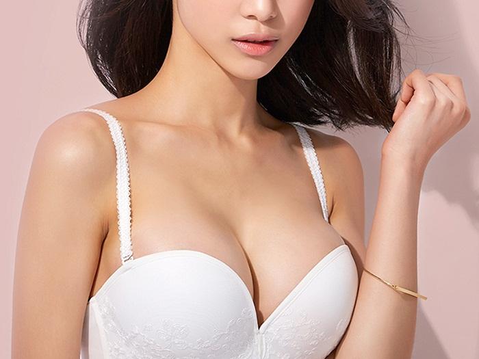 Hé lộ cách nâng ngực tự nhiên không phẫu thuật
